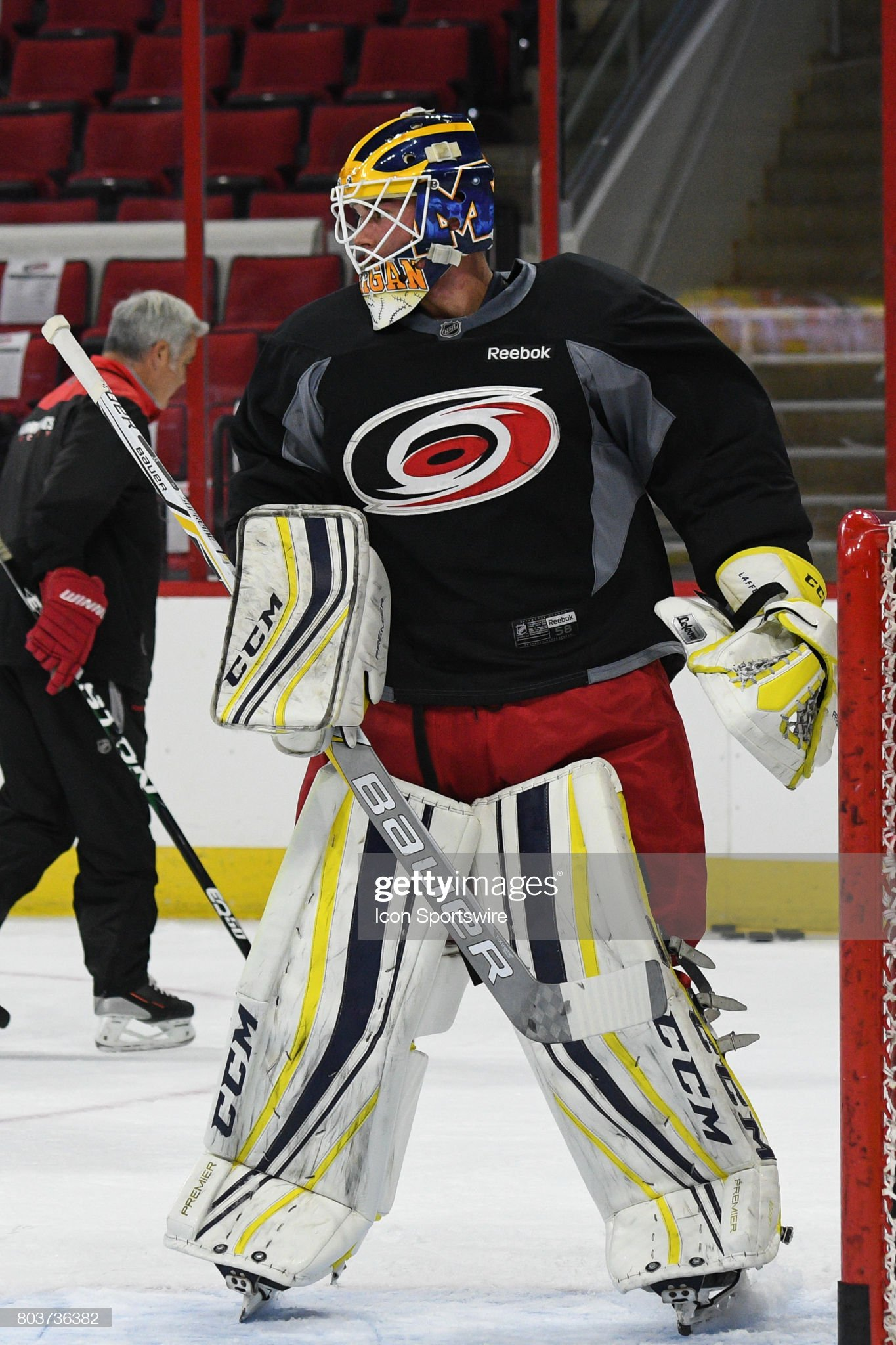 carolina-hurricanes-goalie-jack-lafontai