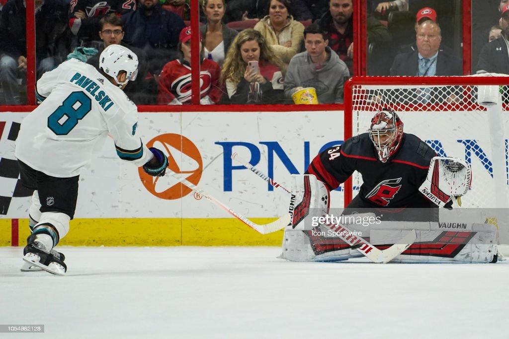 NHL: OCT 26 Sharks at Hurricanes : News Photo