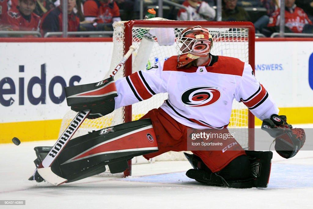 NHL: JAN 11 Hurricanes at Capitals : News Photo