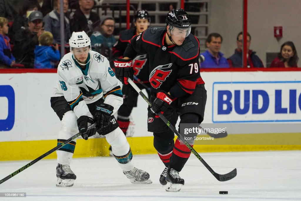 NHL: OCT 26 Sharks at Hurricanes : News Photo