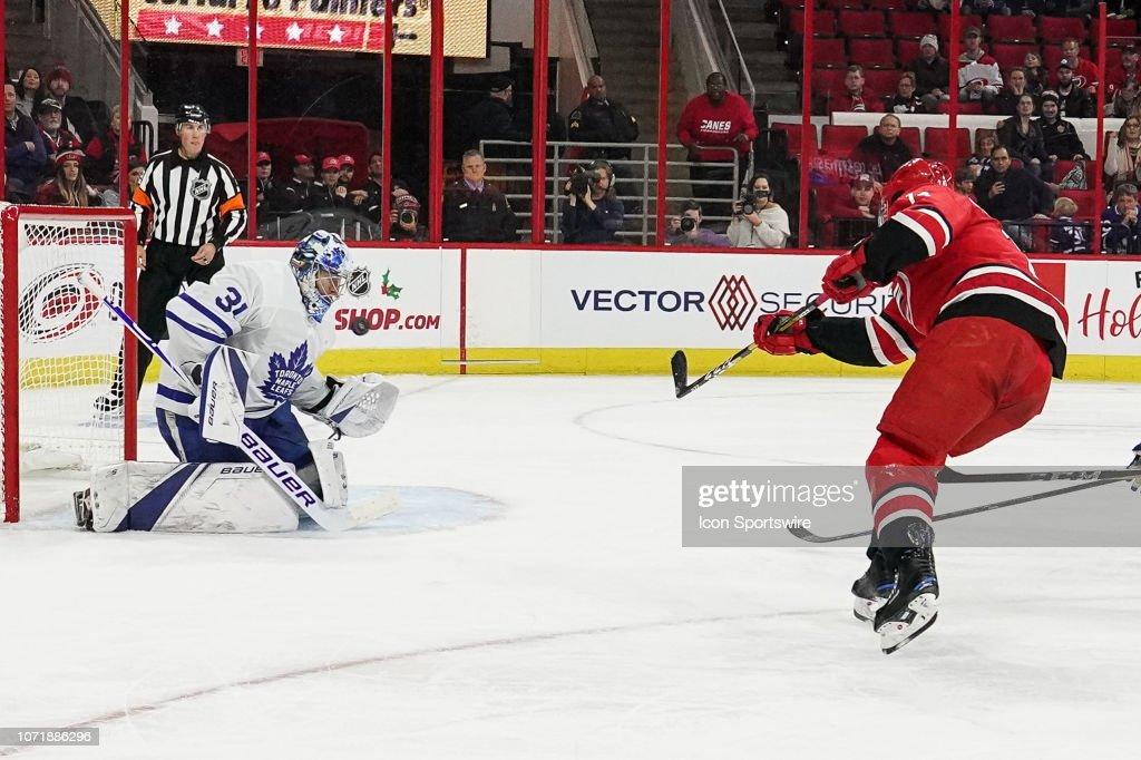 NHL: DEC 11 Maple Leafs at Hurricanes : News Photo