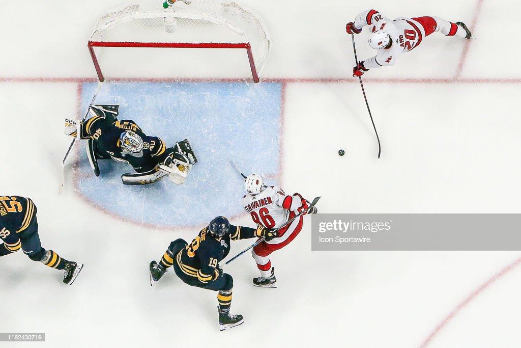 NHL: NOV 14 Hurricanes at Sabres : News Photo