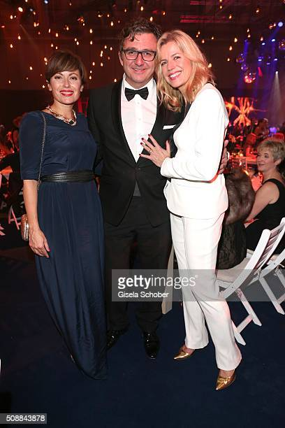 Carolina Vera and Hans Sigl and his wife Susanne Sigl during the after show party of the Goldene Kamera 2016 on February 6 2016 in Hamburg Germany