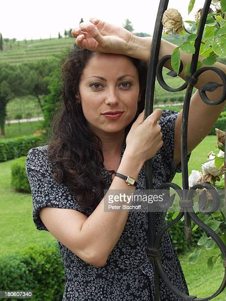 Carolina Vera Squella Porträt Schauspielerin ARD/ORFKrimiKomödie Der BestsellerMord auf italienisch Italien Portrait