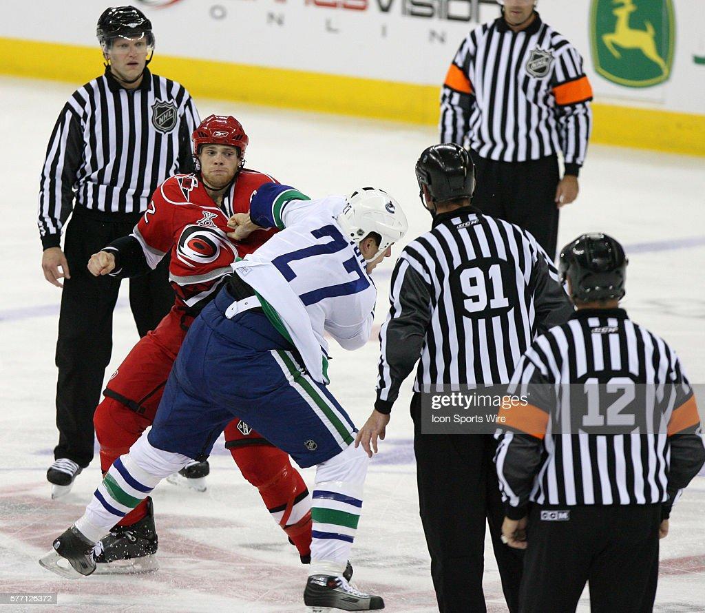 Hockey - NHL - Canucks vs. Hurricanes : News Photo