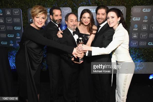 Caroline Aaron Tony Shalhoub Kevin Pollak Marin Hinkle Michael Zegen and Rachel Brosnahan winners of Best Comedy Series for 'The Marvelous Mrs...