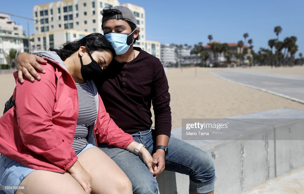 L.A. County Reopens Beaches And Parks Amid Coronavirus Pandemic : News Photo