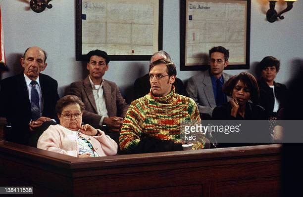 """Caroline and the Little White Lies"""" Episode 20 -- Air Date -- Pictured: Zelda Rubinstein as Phyllis, Malcolm Gets as Richard Karinsky"""