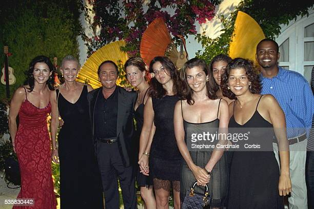 Caroline Barclay Paul Anka with his wife and daughters