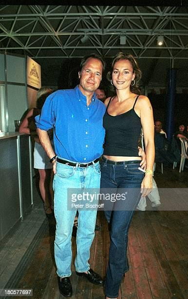 Caroline Beil Lebensgef›hrte Henrik te Neues Royal Fishing Jugendangeln 2001 Heiligenhafen Pressezelt Party Royal FishingClub Arm in Arm