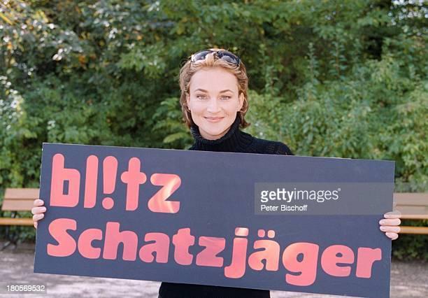 Caroline Beil Sat1Boulevardmagazinblitz Die Schatzjäger Köln Schild