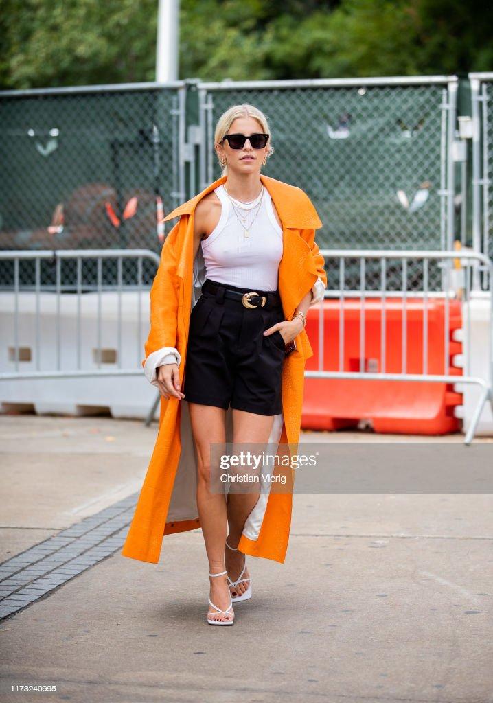 Street Style - New York Fashion Week September 2019 - Day 4 : News Photo