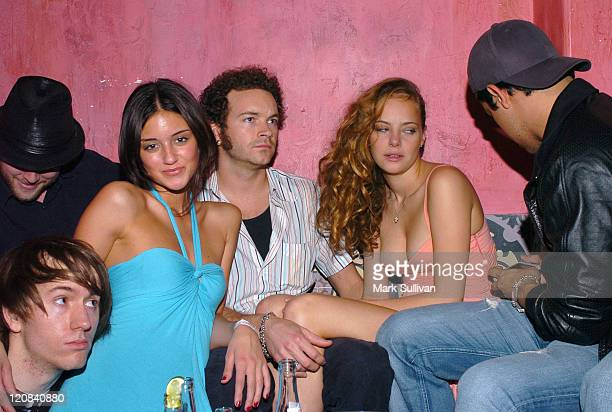 Caroline D'Amore left blue dress Danny Masterson Bijou Phillips and Wilmer Valderrama