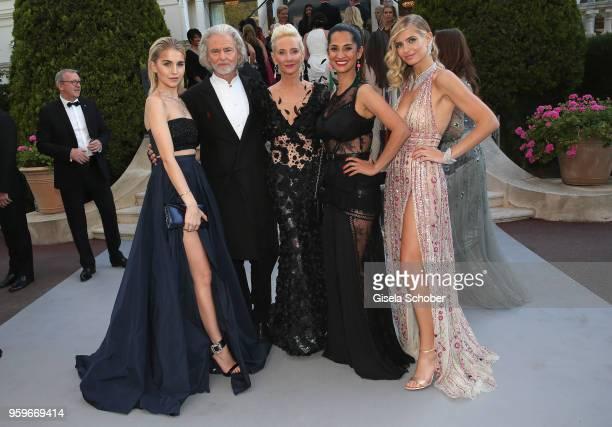 Caroline Daur, Hermann Buehlbecker, Anne Heche, Rabea Rahimi and Xenia Overdose arrive at the amfAR Gala Cannes 2018 at Hotel du Cap-Eden-Roc on May...