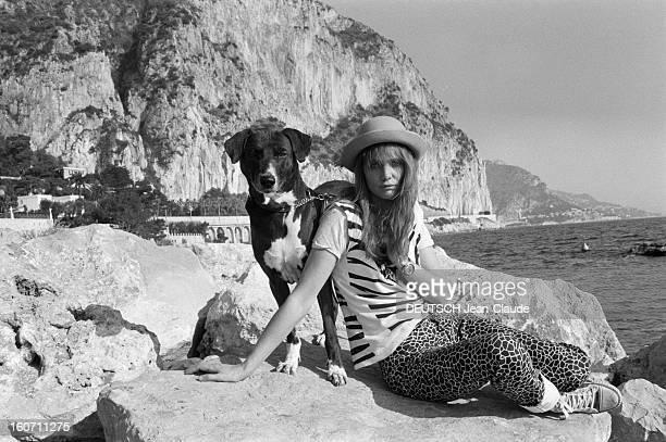Caroline De Bendern Lives In Monte Carlo A Monaco à MonteCarlo en extérieur Caroline DE BENDERN 'La Marianne de 68' du célèbre cliché de JeanPierre...