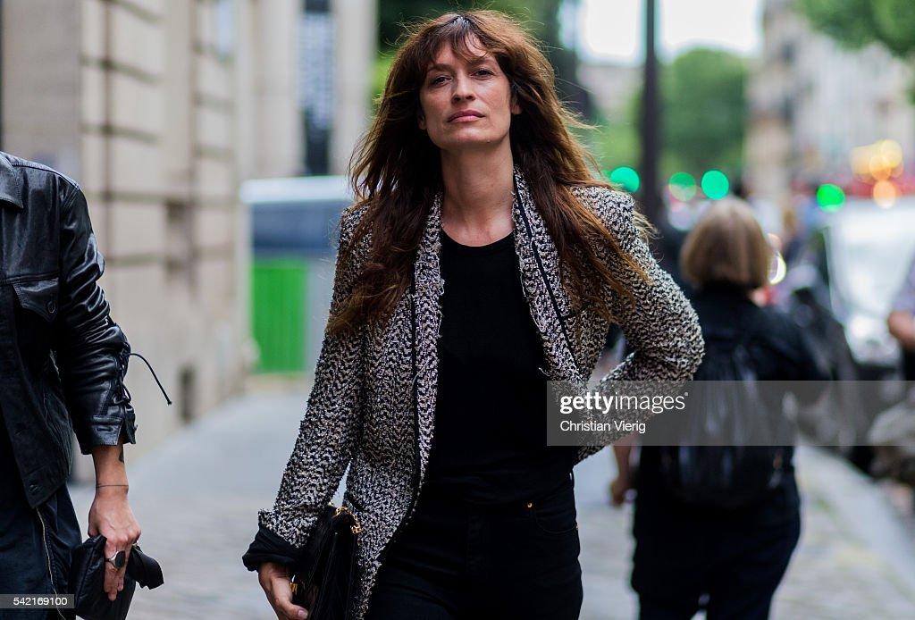 Street Style - Paris Fashion Week - Menswear Spring/Summer 2017 : Day One
