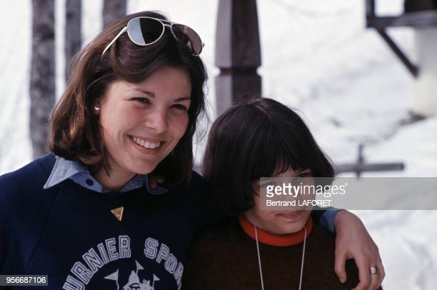 Caroline de Monaco et Stéphanie de Monaco à la montagne en 1979 en France