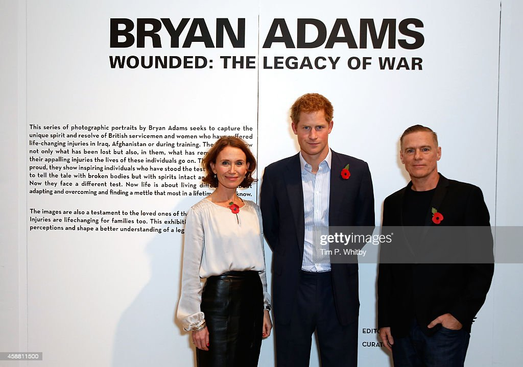 Prince Harry Views 'Wounded: The Legacy Of War' Photography Exhibition : News Photo
