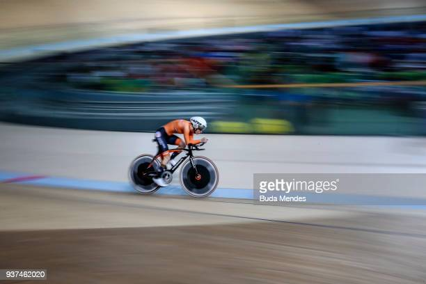 Caroline Groot of Netherlands competes in Women's C5 Individual Pursuit on day 03 of the Paracycling World Championships at Rio Olympic Velodrome on...
