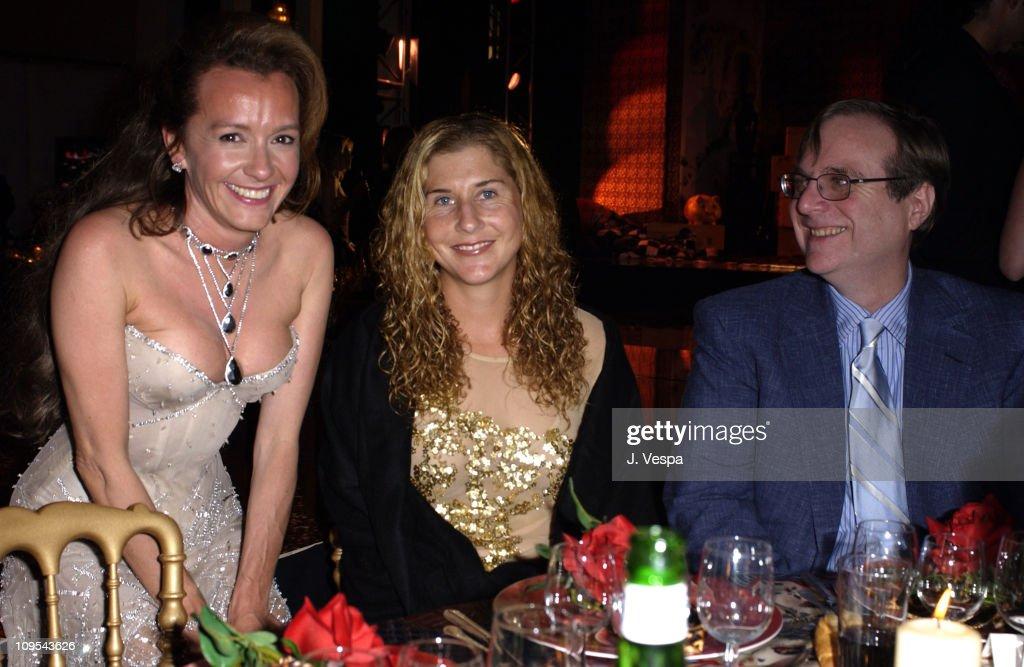 2003 Cannes Film Festival - Roberto Cavalli Fashion Show - Dinner : News Photo