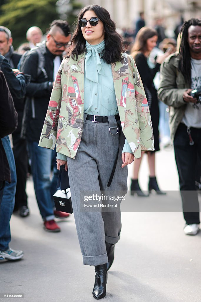 Street Style : Day Five - Paris Fashion Week Spring/Summer 2017 : News Photo