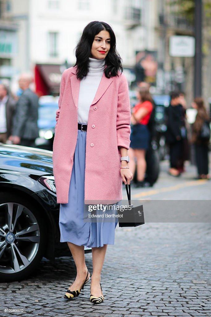 Street Style : Day Six  - Paris Fashion Week Spring/Summer 2017 : News Photo
