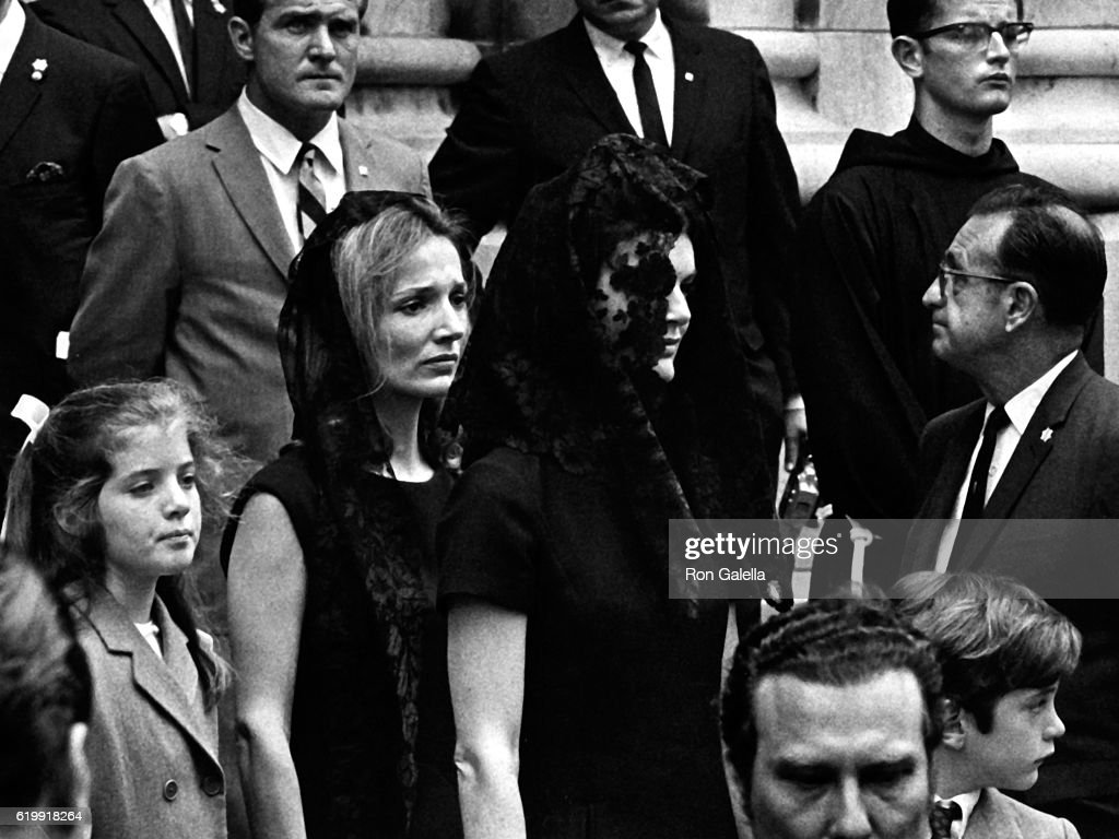 Caroline Kennedy, Lee Radziwill, Jackie Onassis and John F