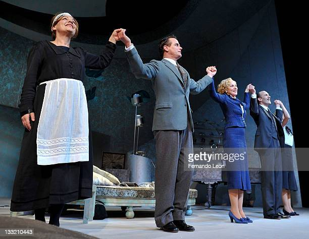 Caroline Lena Olsson Paul Gross Kim Cattrall Simon Paisley Day and Anna Madeley photographed onstage during the Private Lives Broadway opening night...