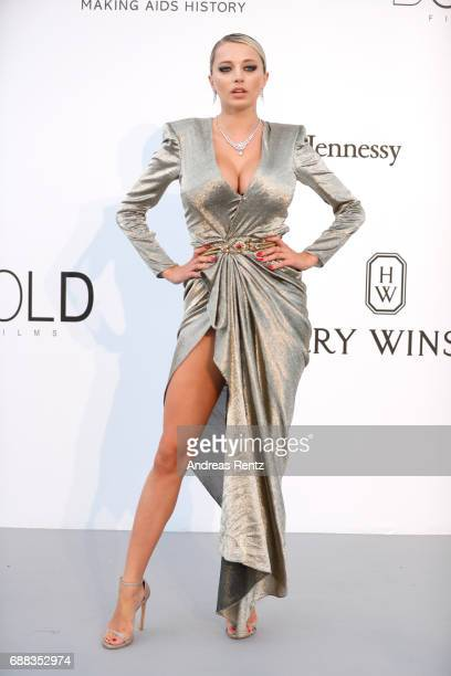 Caroline Vreeland arrives at the amfAR Gala Cannes 2017 at Hotel du CapEdenRoc on May 25 2017 in Cap d'Antibes France