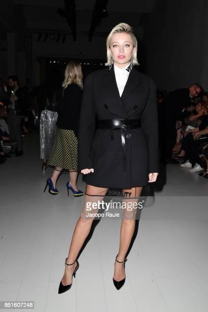 Caroline Vreeland attends the Versace show during Milan Fashion Week Spring/Summer 2018 on September 22 2017 in Milan Italy