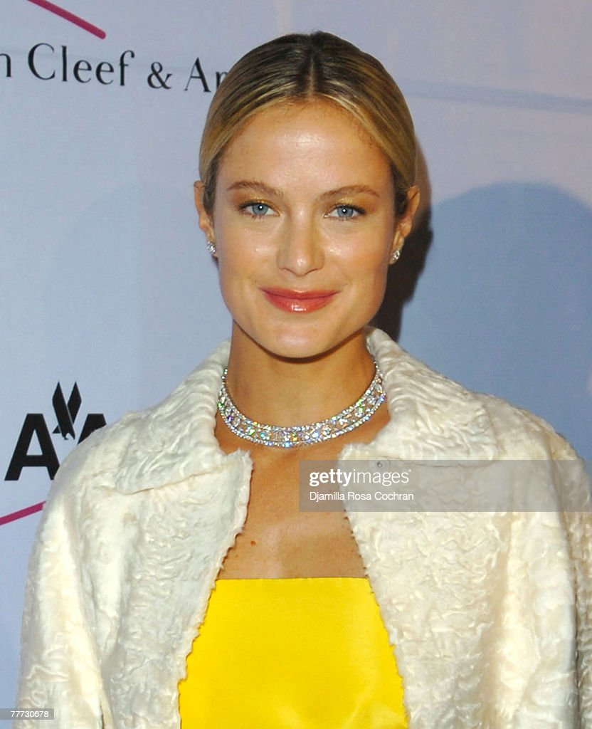 Carolyn Murphy attends the 25th Anniversary Princess Grace Awards Gala at Sotheby's on October 25th, 2007 in New York City, New York.