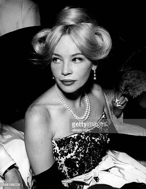 Caron Leslie * Schauspielerin Taenzerin Frankreich Halbportrait 1962