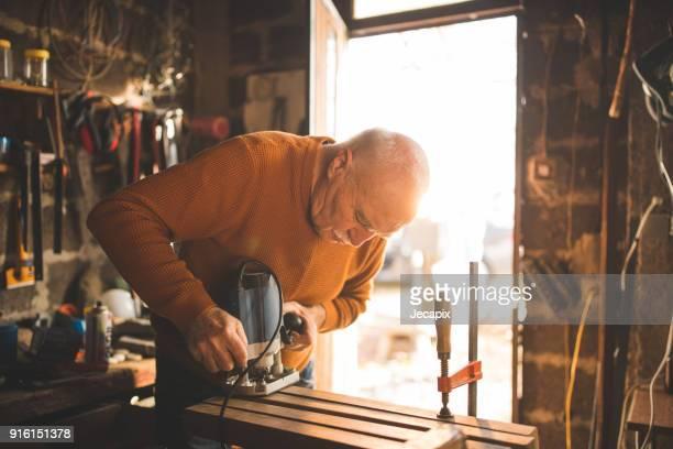timmerman op het werk - hobby's stockfoto's en -beelden