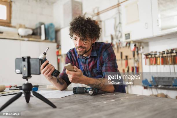 carpenter youtuber - tutorial stock pictures, royalty-free photos & images
