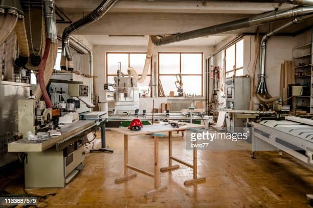 tischlerei - werkstatt stock-fotos und bilder