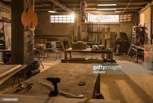 carpentry workshop without people. - repair shop stock pictures, royalty-free photos & images
