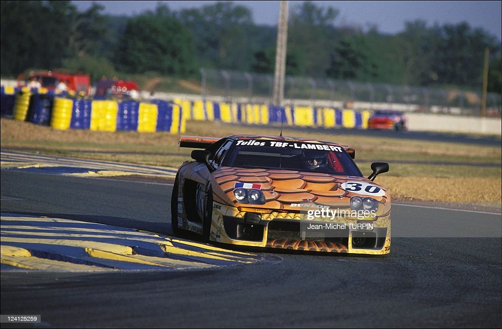 """Car-Racing: The """"24 Heures Du Mans"""" In Le Mans, France On June 19, 1994. : News Photo"""