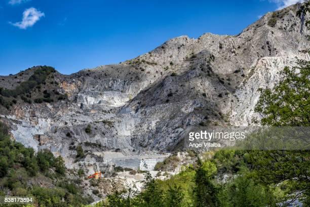 carrara. marble quarry - 石切場 ストックフォトと画像