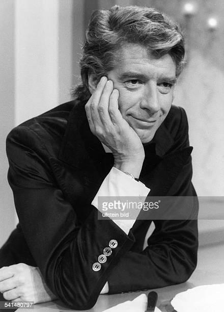 Carrell Rudi *Showmaster Schauspieler Niederlande Halbportrait 1975