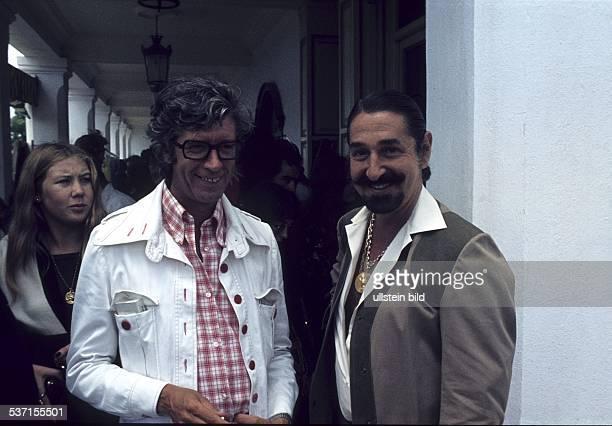 Carrell Rudi Showmaster Schauspieler Niederlande mit Don Jaime de Mora y Aragon Bruder der belgischen Koenigin Fabiola 1973