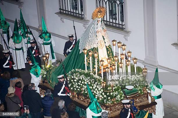 Carroza de esperanza virgen, Semana Santa parade.