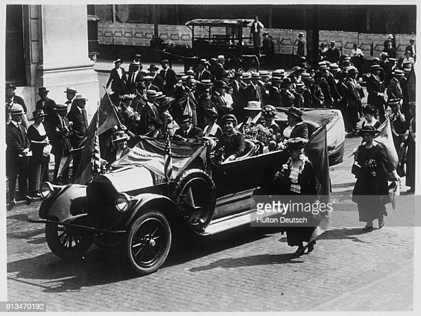 Carrie Chapman Catt returning to New York after ratification of the bill giving American women the right to vote