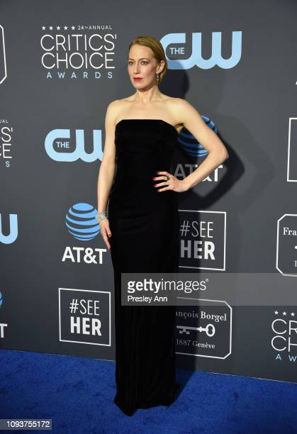 Carrie Coon at The 24th Annual Critics' Choice Awards at Barker Hangar on January 13 2019 in Santa Monica California