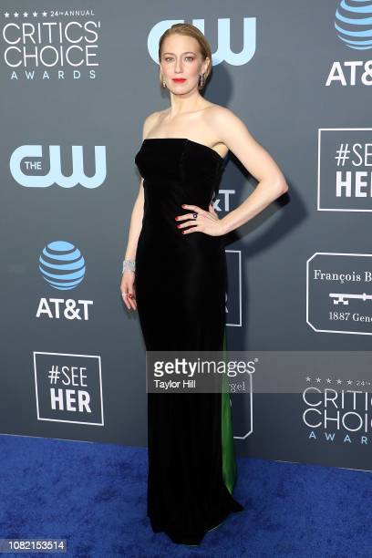 Carrie Coon attends The 24th Annual Critics' Choice Awards at Barker Hangar on January 13 2019 in Santa Monica California