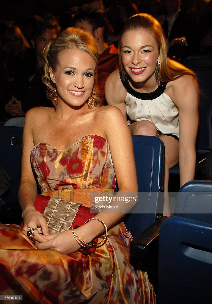 2007 CMT Music Awards - Backstage and Audience : News Photo