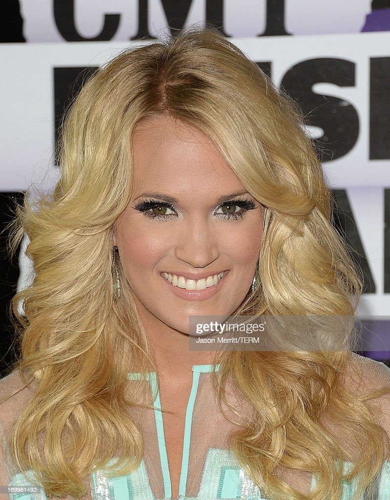 Carrie Underwood attends the 2013 CMT Music awards at the Bridgestone Arena on June 5, 2013 in Nashville, Tennessee.