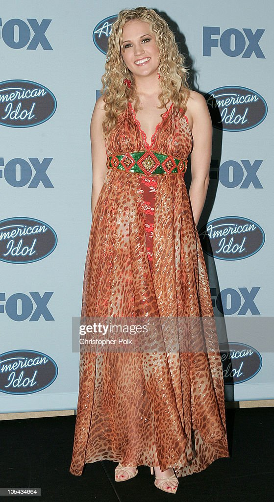 Carrie Underwood During American Idol Season 4 Finale Press News Photo Getty Images