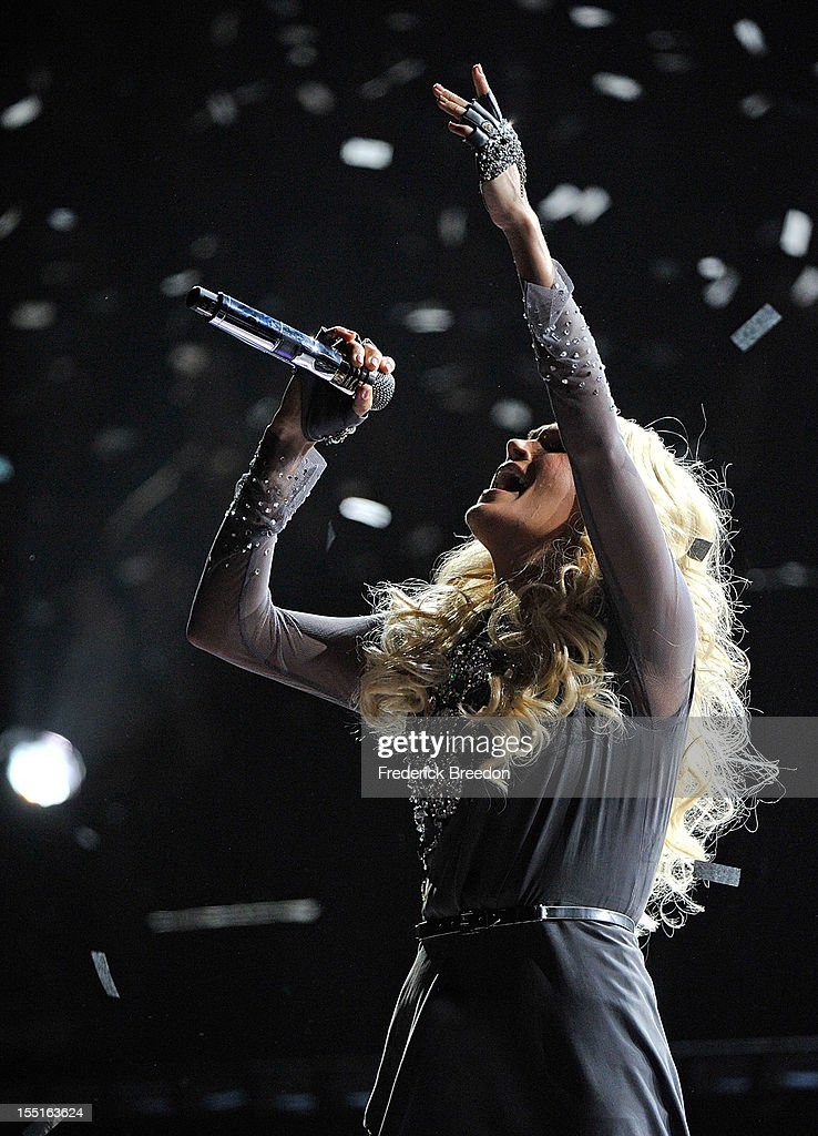 Carrie Underwood performs during the 46th annual CMA awards at the Bridgestone Arena on November 1, 2012 in Nashville, Tennessee.