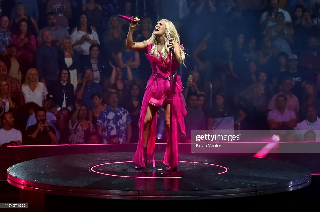 Carrie Underwood With Maddie & Tae And Runway June In Concert - Los Angeles, CA : News Photo