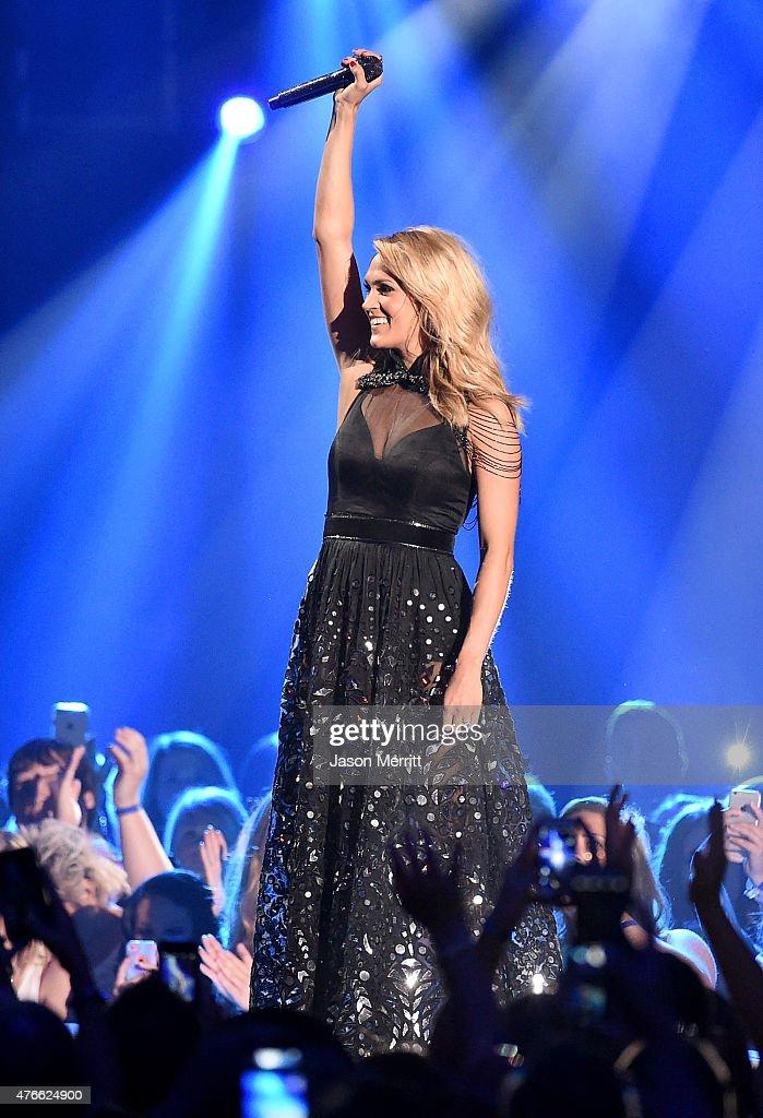 2015 CMT Music Awards - Show